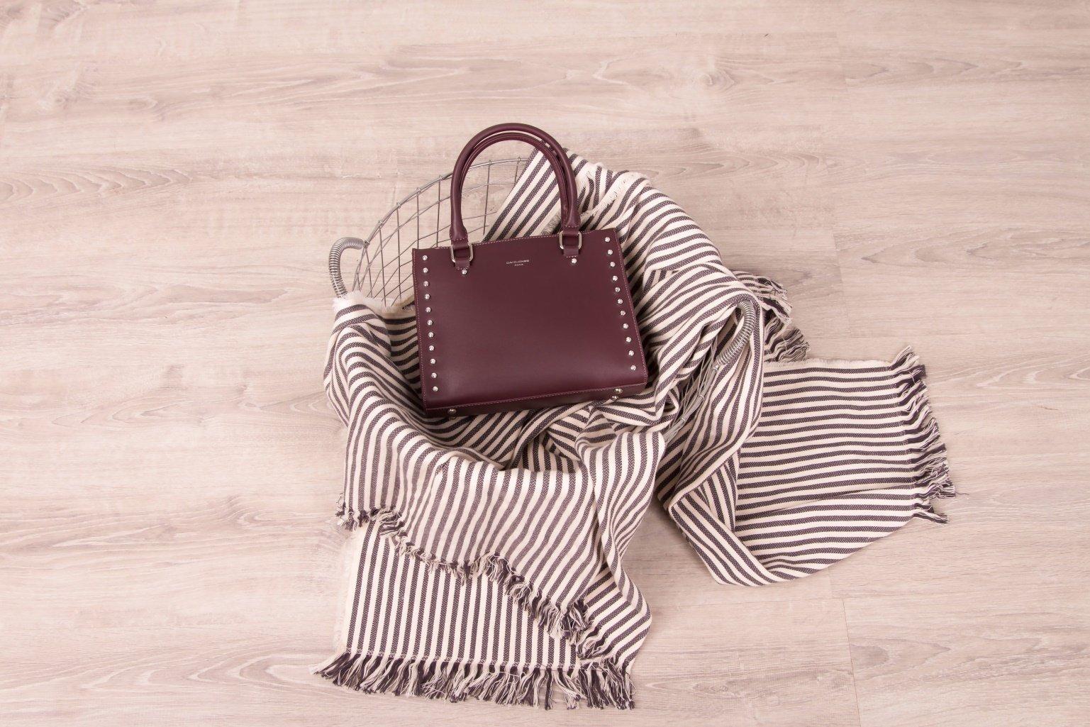 Коричневая сумка на лето - фотография