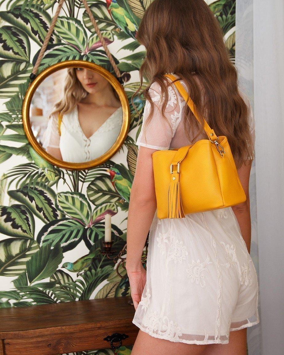 Желтая летняя сумка - фотография