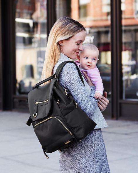 Рюкзак лидер среди повседневных моделей для мам - фотография